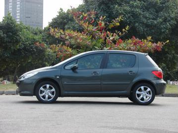 peugeot 307-hatch-presence-pack-16-16v-flex-2012 lateral