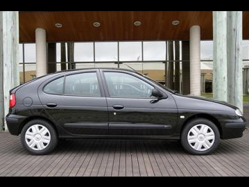 renault megane-hatch-expression-16-16v-2005 lateral
