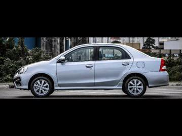 toyota etios-sedan-platinum-15-flex-aut-2018 lateral