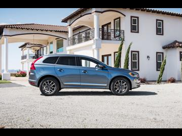 volvo xc60-24-d5-momentum-4wd-2017 lateral